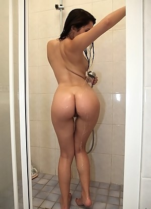 Girls Shower Porn Pictures