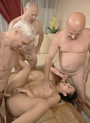 Girls Foursome Porn Pictures